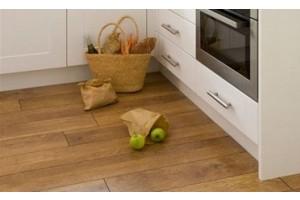 Ламинат на кухне – плюсы и минусы